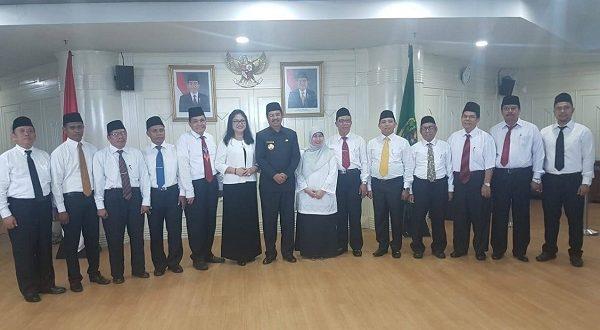 Gubsu Melantik 13 Anggota Dewan Pendidikan Sumut 2018-2023