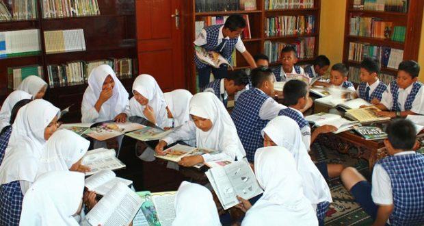 Indonesia Rendah Literasi, 6 Cara Ini Ampuh Tingkatkan Kemampuan Literasi Pelajar