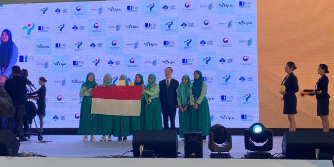 Siswa SMA di Medan Kibarkan Merah Putih dan Borong Medali di SIIF 2019 Korea Selatan