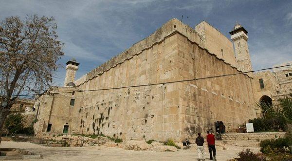 Curi Sebagian Masjid Al-Ibrahimi, Palestina Kutuk Israel