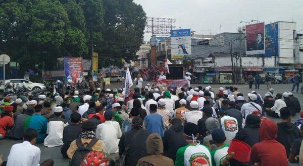 Aksi Massa Masyarakat Muslim Tasikmalaya Tuntut Penjarakan Denny Siregar dan Budi Djarot